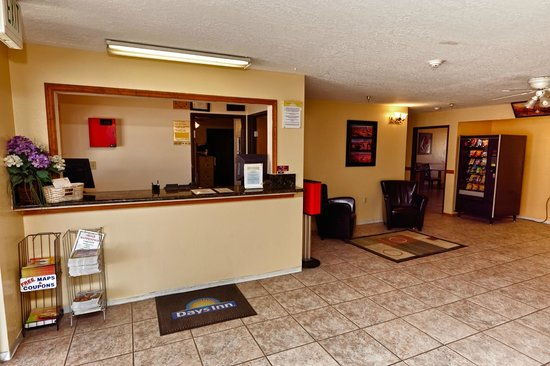 Days Inn Moab: lobby