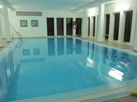 Sina Astor:                   pool