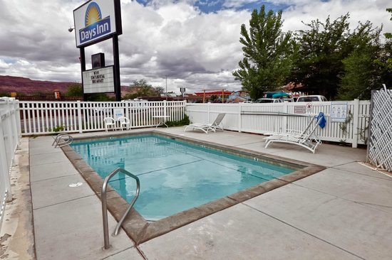 Days Inn Moab: pool