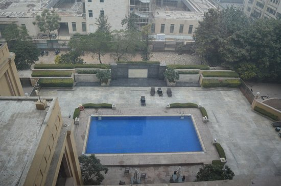 The Metropolitan Hotel & Spa New Delhi: View from room on 5th floor