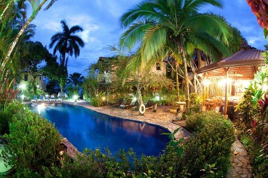 Villas Nicolas pool area