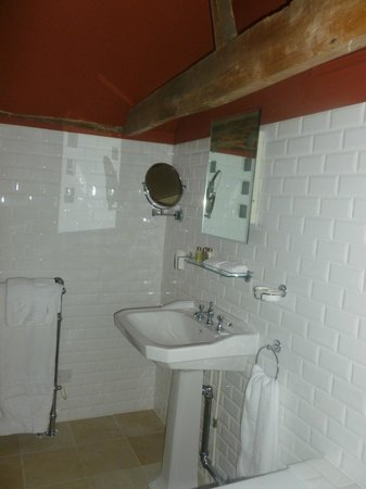 The Stag & Huntsman at Hambleden: Bathroom