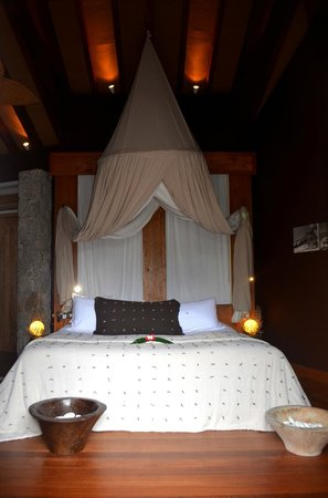 Le Domaine de L'Orangeraie Resort and Spa: comfy bed!