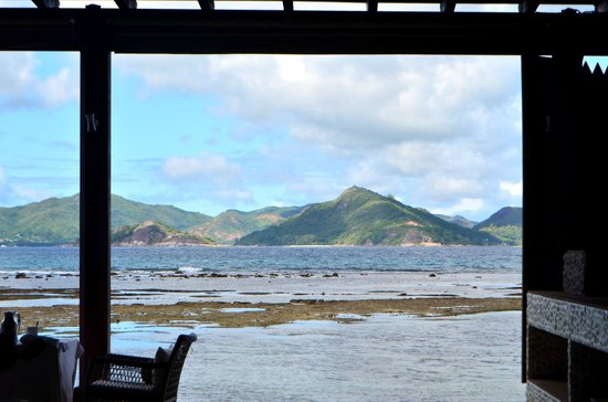Le Domaine de L'Orangeraie Resort and Spa: view from breakfast buffet area