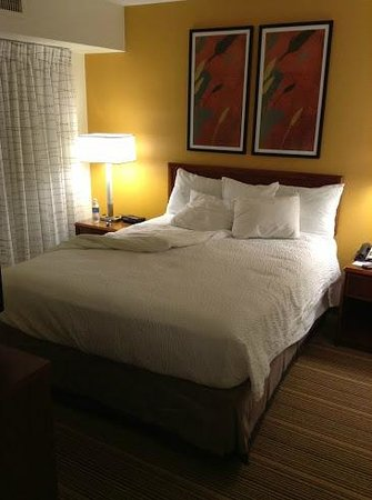 Residence Inn Allentown Bethlehem/Lehigh Valley Airport:                   Tiny bed, twin size maybe