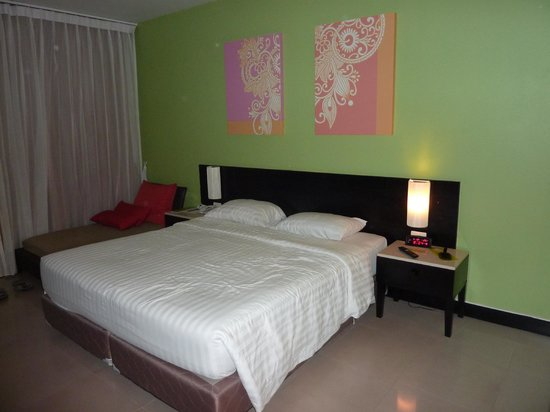 Deevana Plaza Phuket Patong: chambre privilége côté piscine