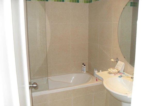 Hotel Marhaba:                   Our Bath