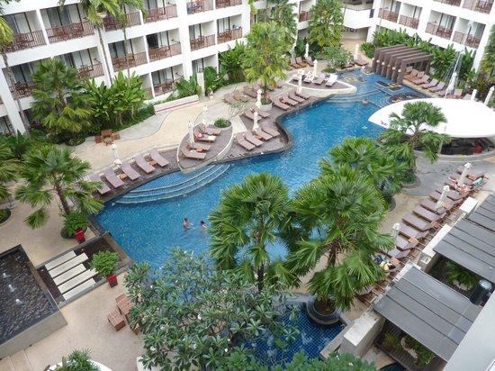 Deevana Plaza Phuket Patong: chambre vue piscine