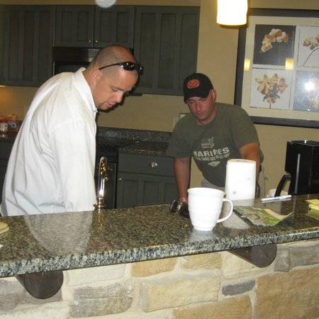 Wyndham Vacation Resorts Glacier Canyon:                   Kitchen was so pretty the boys actually did the dishes                 