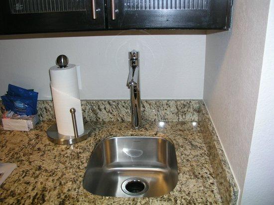 HYATT house Raleigh Durham Airport: kitchen sink