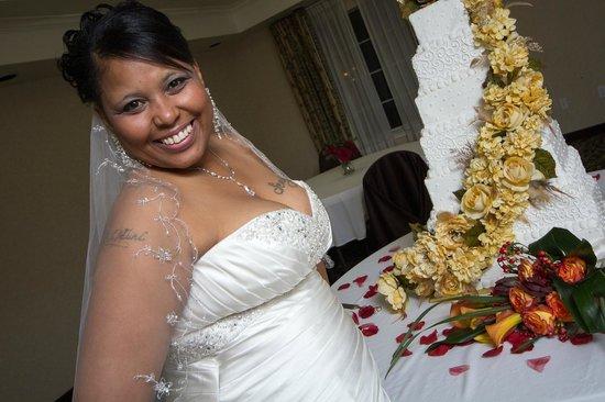 Comfort Suites : bride at her reception