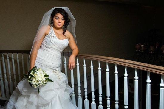 Comfort Suites : bride overlooking 2nd floor balcony