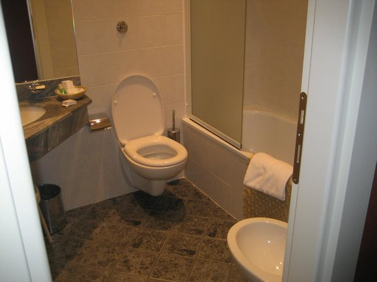 BEST WESTERN Grand Hotel Adriatico: Bathroom