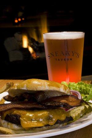 Sneakys Tavern: Tasty burgers & beers