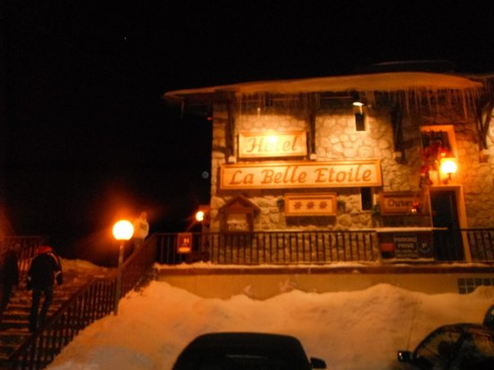 La Belle Etoile Hotel: Outside