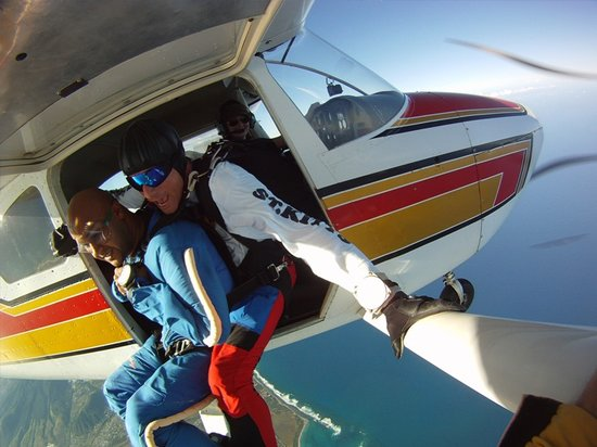 Skydive St Kitts: Exit