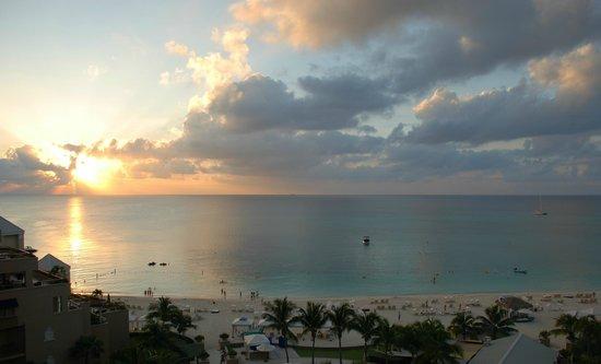 ذا ريتز - كارلتون جراند كايمان: Sunset, Ritz Carlton Grand Cayman