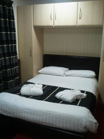 Conifers Leisure Park: Bed Room