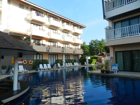 Srisuksant Resort: Piscina 2