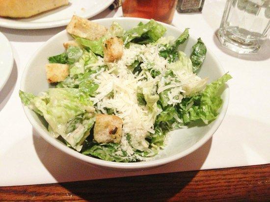 Romano's Macaroni Grill: Crispy Caesar salad