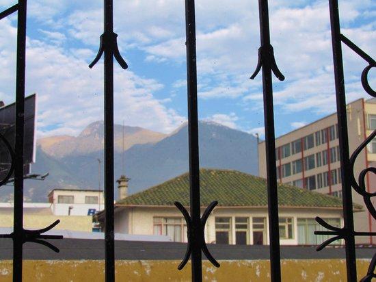 Travellers Inn: Vista desde el comedor