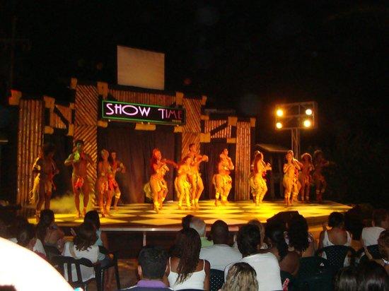 Decameron San Luis: Night entertainment