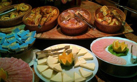 Mirasol Copacabana Hotel :                   The food is the Breakfast Buffet