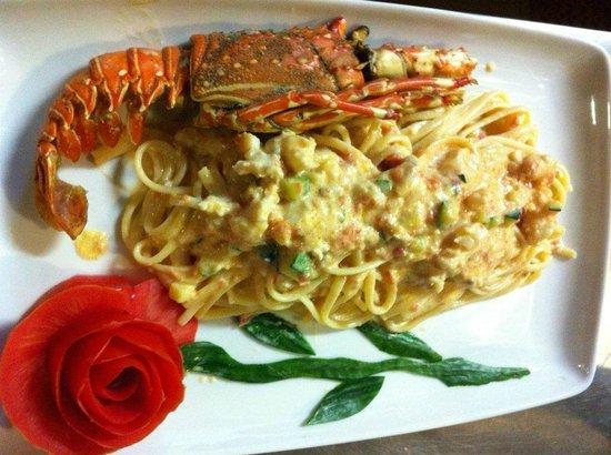 Invita Bistro: Linguine Don Corleone (Lobster pasta)