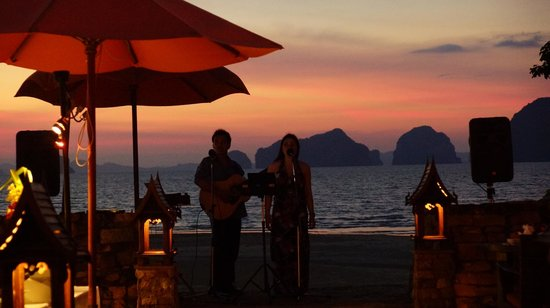 Amari Vogue Krabi:                   Happy Hour