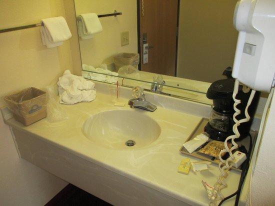 Days Inn Mount Vernon: room 2