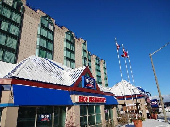 Ramada Niagara Falls/Fallsview: Hotel