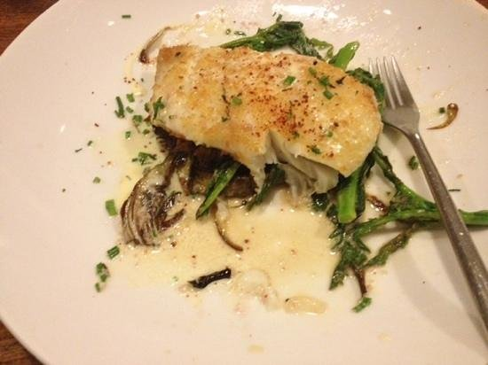 Bistro Vis A Vis : the delicious halibut