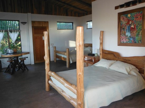 Leaves and Lizards Arenal Volcano Cabin Retreat:                   comfortable rooms