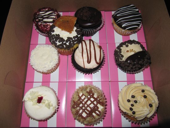 Luscious & Sweet Gourmet Bakery: Our ten cupcakes