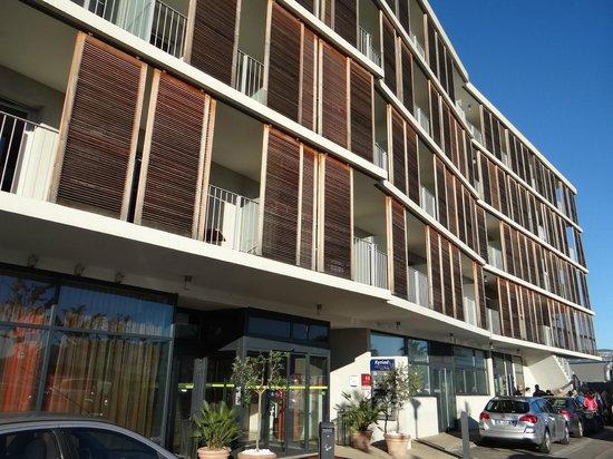 Kyriad Prestige Toulon - L S S M - Centre Port: Kyriad's facade