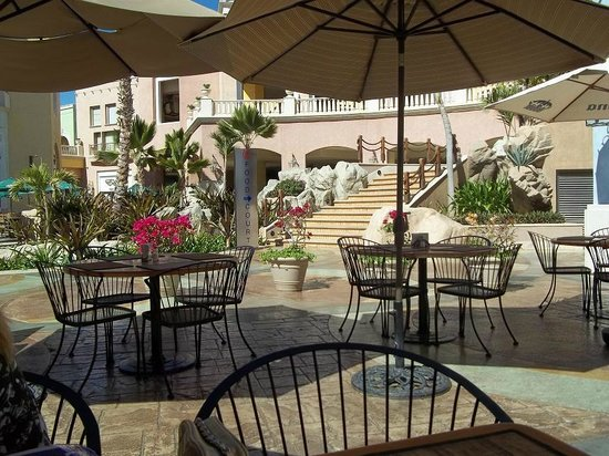 Hilton Los Cabos Beach & Golf Resort:                   At the mall