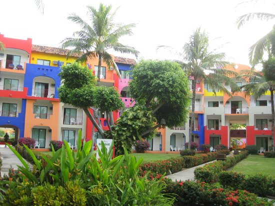 Royal Decameron Complex:                   love the colors!