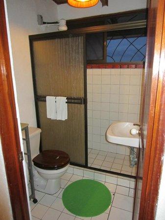 Villas de la Selva: bathroom