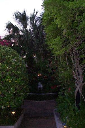 Dresser Palmer House:                   Courtyard