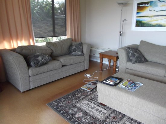 Clayridge House and Cottages:                   Living room