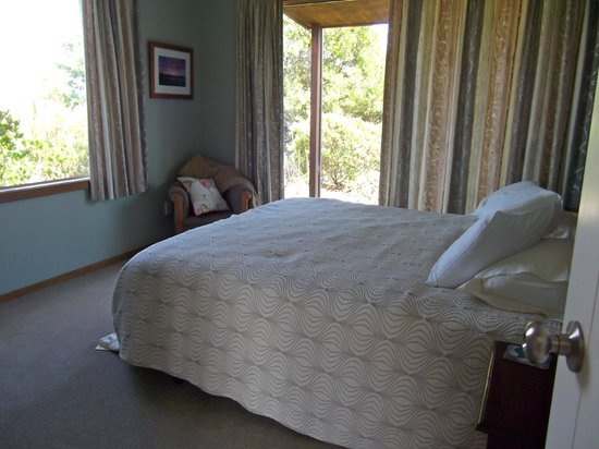 Clayridge House and Cottages:                   Master bedroom