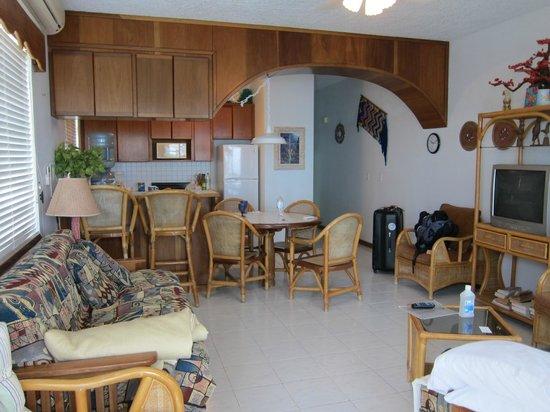 Belizean Reef Suites:                   Main Room
