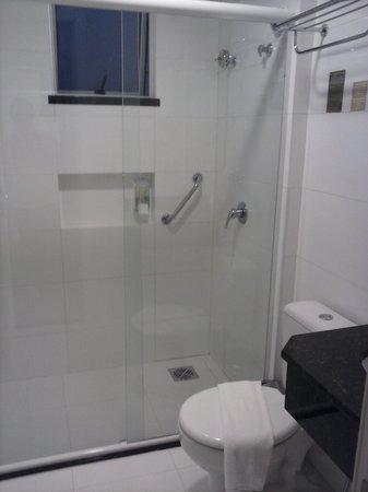 BEST WESTERN Tarobá Hotel:                   banheiro