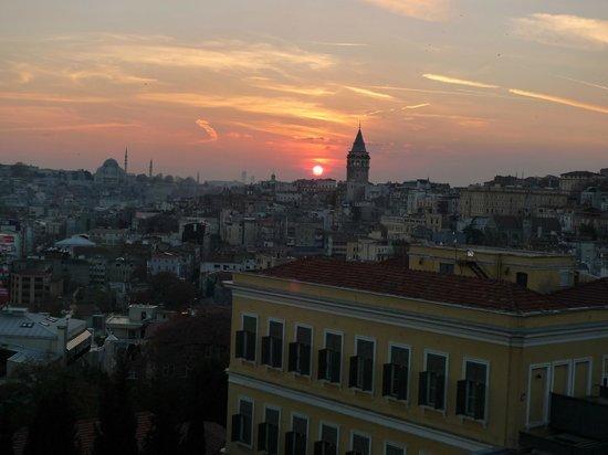 Witt İstanbul Hotel:                   Sunset