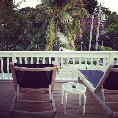 Alexander's Gay and Lesbian Guesthouse:                   top deck