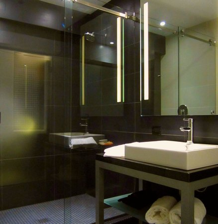 Hercor Hotel - Urban Boutique:                   I like a lot the small glass tile in the shower