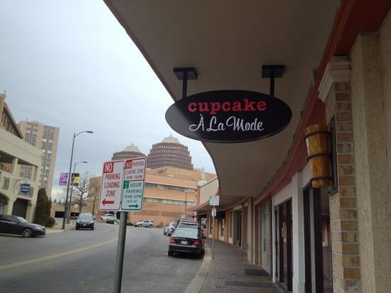 Cupcake A La Mode:                   The street!
