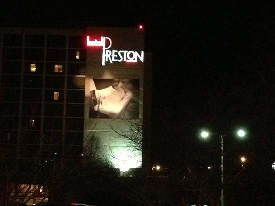 Hotel Preston:                   nite time