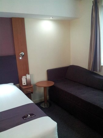 Premier Inn Dubai International Airport Hotel:                   Room