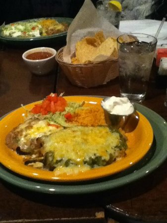 Casa Blanca Restaurant:                   Cheese stuffed chile relleno with salsa verde! Chips, salsa, and green chile c